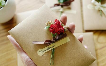圣诞节送女生礼物留言10字内,字少心意不少第1张